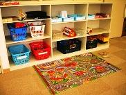 パズル、電車や積み木などおもちゃたくさん