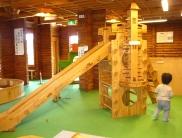 木製遊具がいっぱい